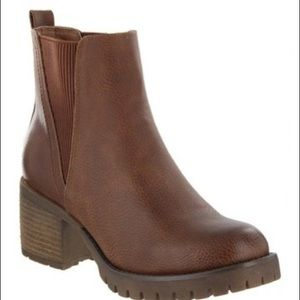 Brand new MIA brown booties! Never worn